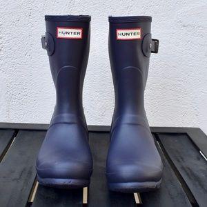 HUNTER Short Matte Aubergine Rain Boots